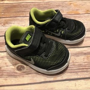 Nike Flex Run shoes size 6C
